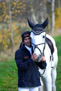 Pferdeartikel bestickt